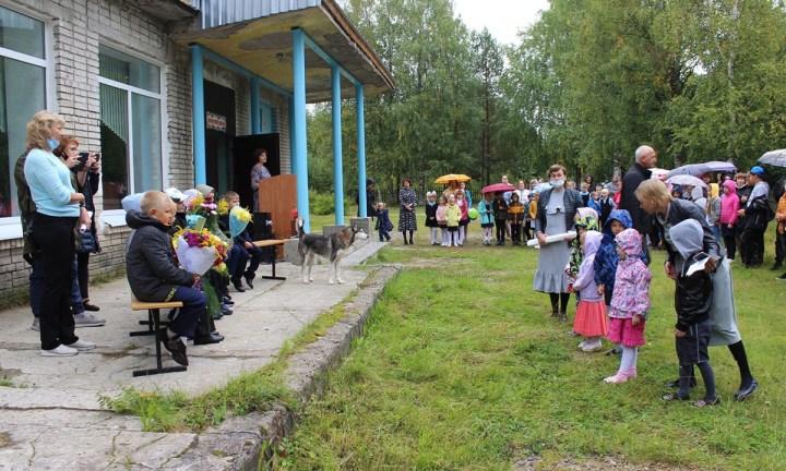 Дети в Карелии добираются до школы на частных катерах