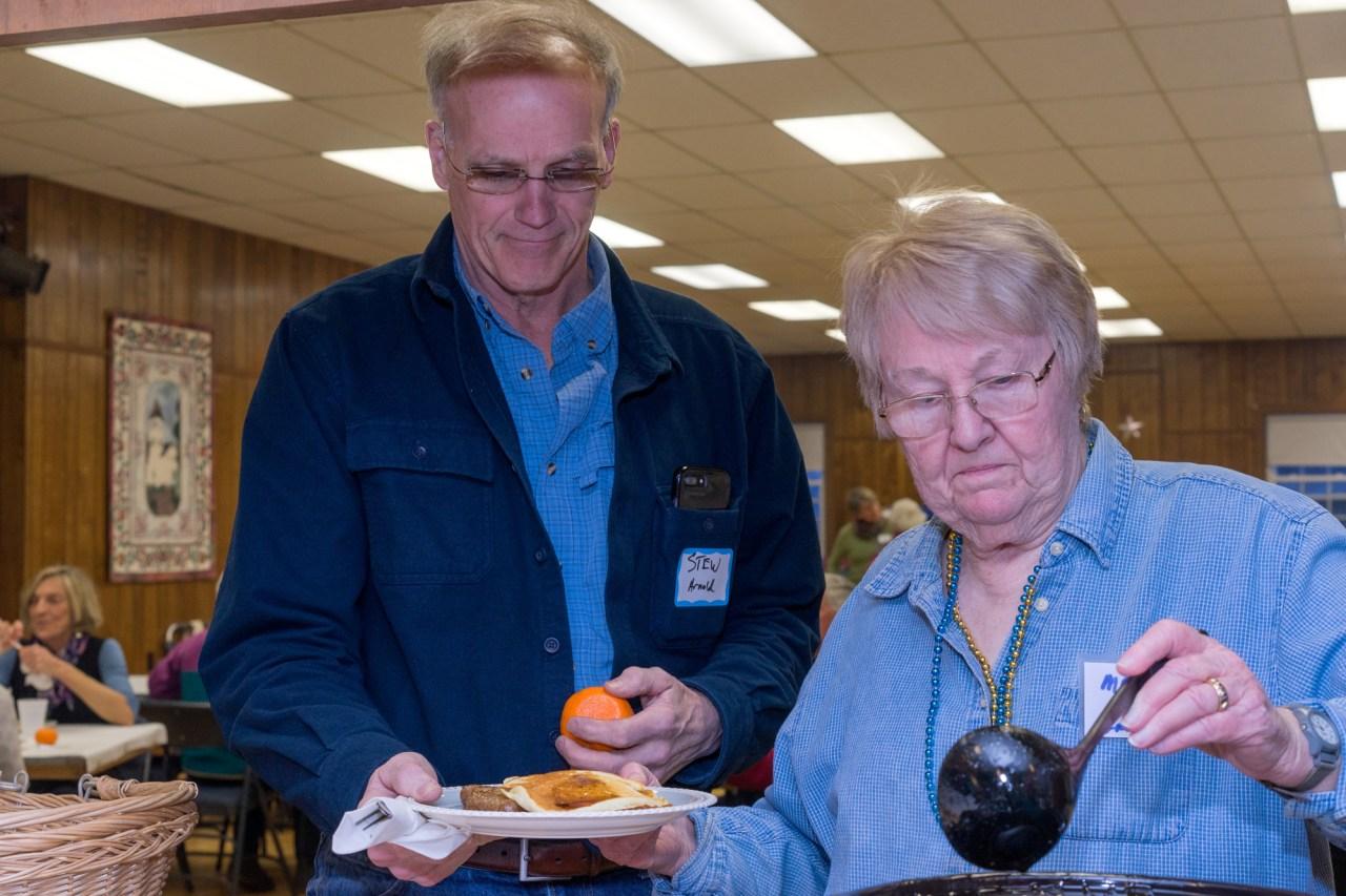 Stewart saves his tangerine from Marsha, the syrup lady