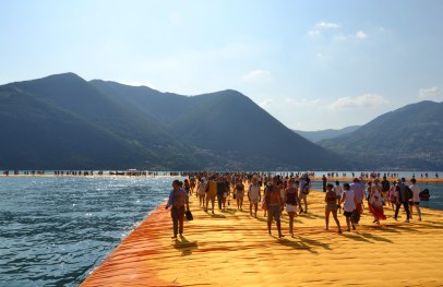 the-floating-piers-christo-19