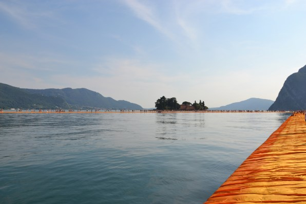 the-floating-piers-christo-29