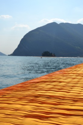the-floating-piers-christo-36