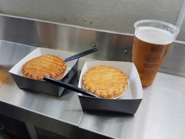 Two_pies_and_pint
