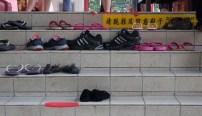 Zieht die Schuhe aus