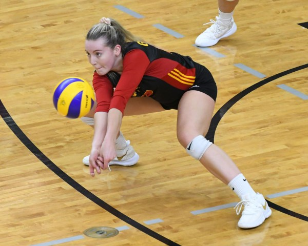 Photos: Guelph Gryphons-Ryerson women's volleyball