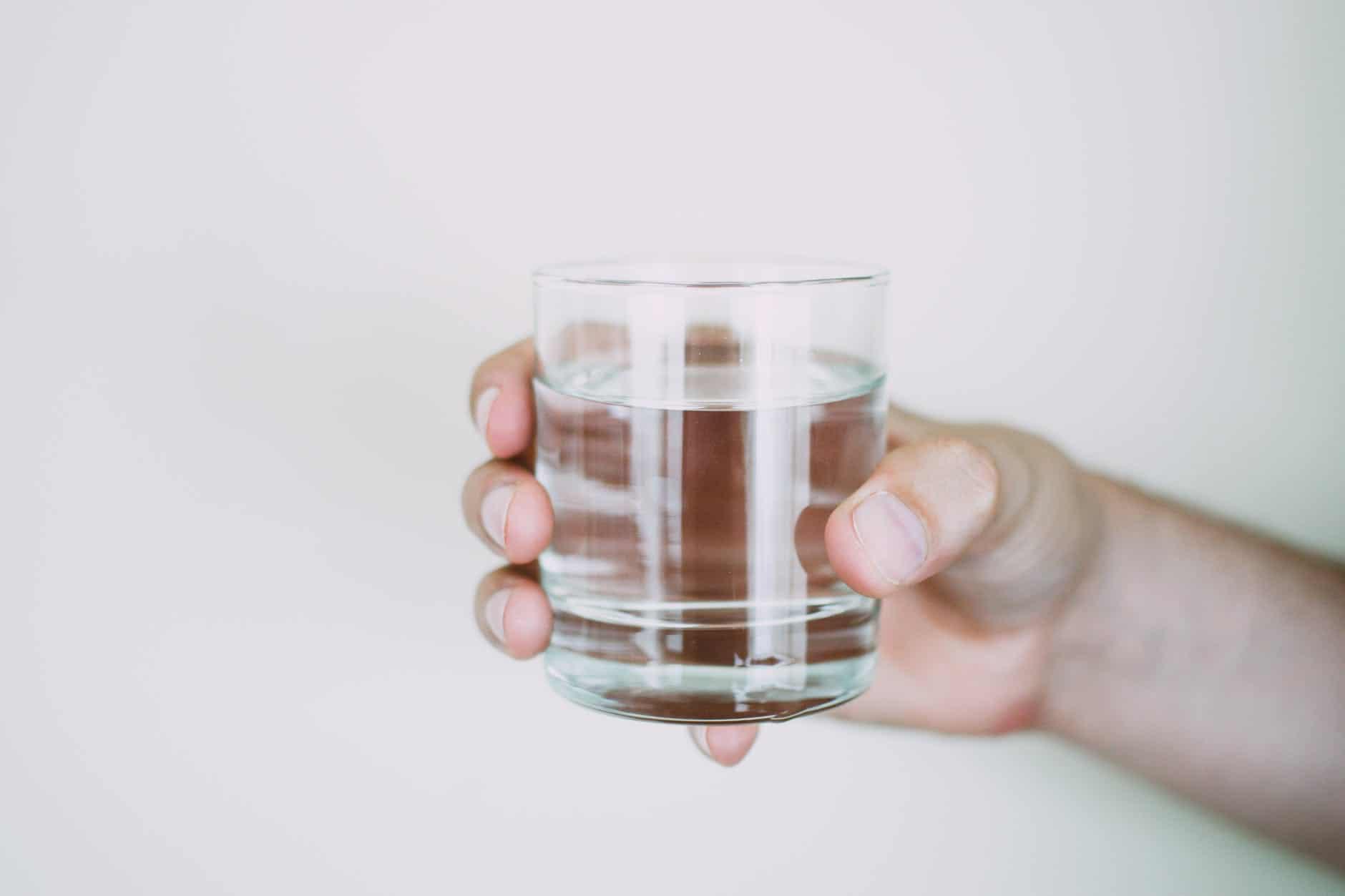 Boire eau bouche sèche symptômes crise d'angoisse
