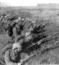 German soldiers at the Battle of Marne (Possibly staged)