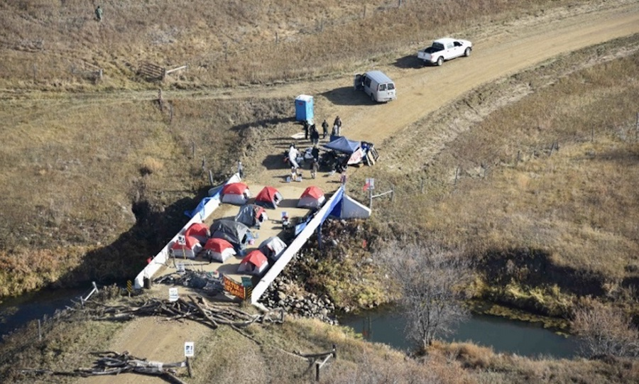 Standing Rock - Aerial view of camp