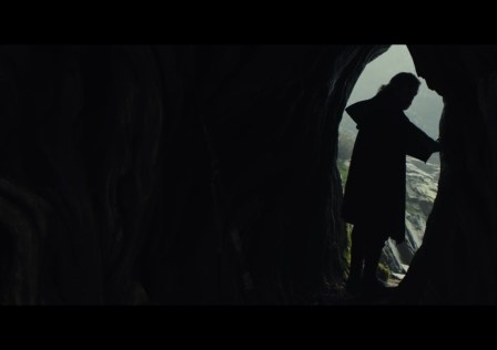 star-wars–the-last-jedi-official-teaser00-01-41-06still024-1492185956013_1280w