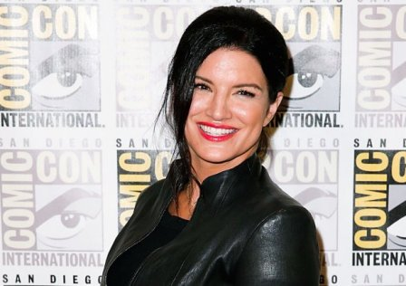 gina_carano_-_comic_con_day_3_2015_-_getty_-_h_2017