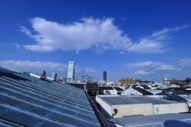 屋上からはあべのハルカスが見えます。 옥상에서 아베노바시 터미널 빌딩이 보입니다. 從屋頂上會看到Abeno Harukas。 You can see Abeno Harukas from the rooftop </span>