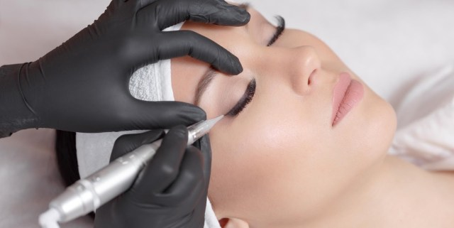 tips to become a makeup artist