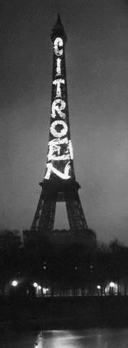 La Torre Eiffel con publicidad de Citroen