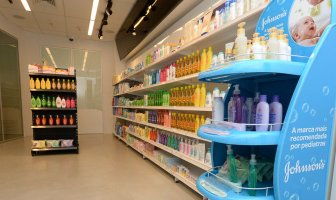 johnson-johnson-inaugura-retail-experience-center