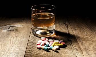 alcool-interage-com-medicamentos