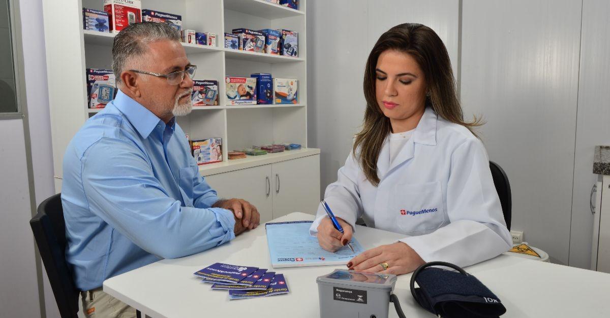 eeaa1d01cbbc8 Pague Menos anuncia novos serviços - Guia da Farmácia