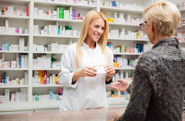 Dez-contribuiçoes-indispensaveis-dos-balconistas-nas-farmacias