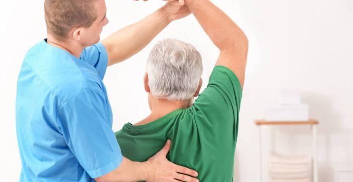 fisioterapia para o nervo ciático - Nervo Ciático inflamado, dor, travamento da Coluna, dificuldade para andar:  o que causa, quais os sintomas e tratamento de nervo ciático inflamado