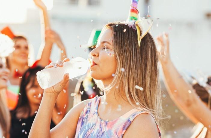 como-se-hidratar-corretamente-para-aproveitar-o-carnaval