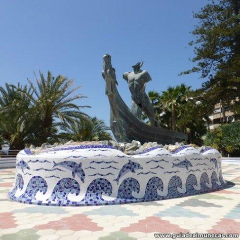 Monumento a los Fenicios, Paseo del Altillo.
