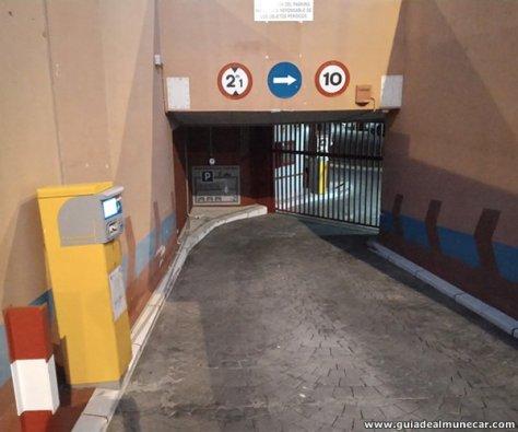Parking subterráneo con sistema automático 24 Hs. en Playa San Cristóbal, Almuñécar.
