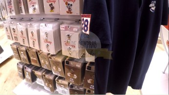uniqlo-disney-springs-43