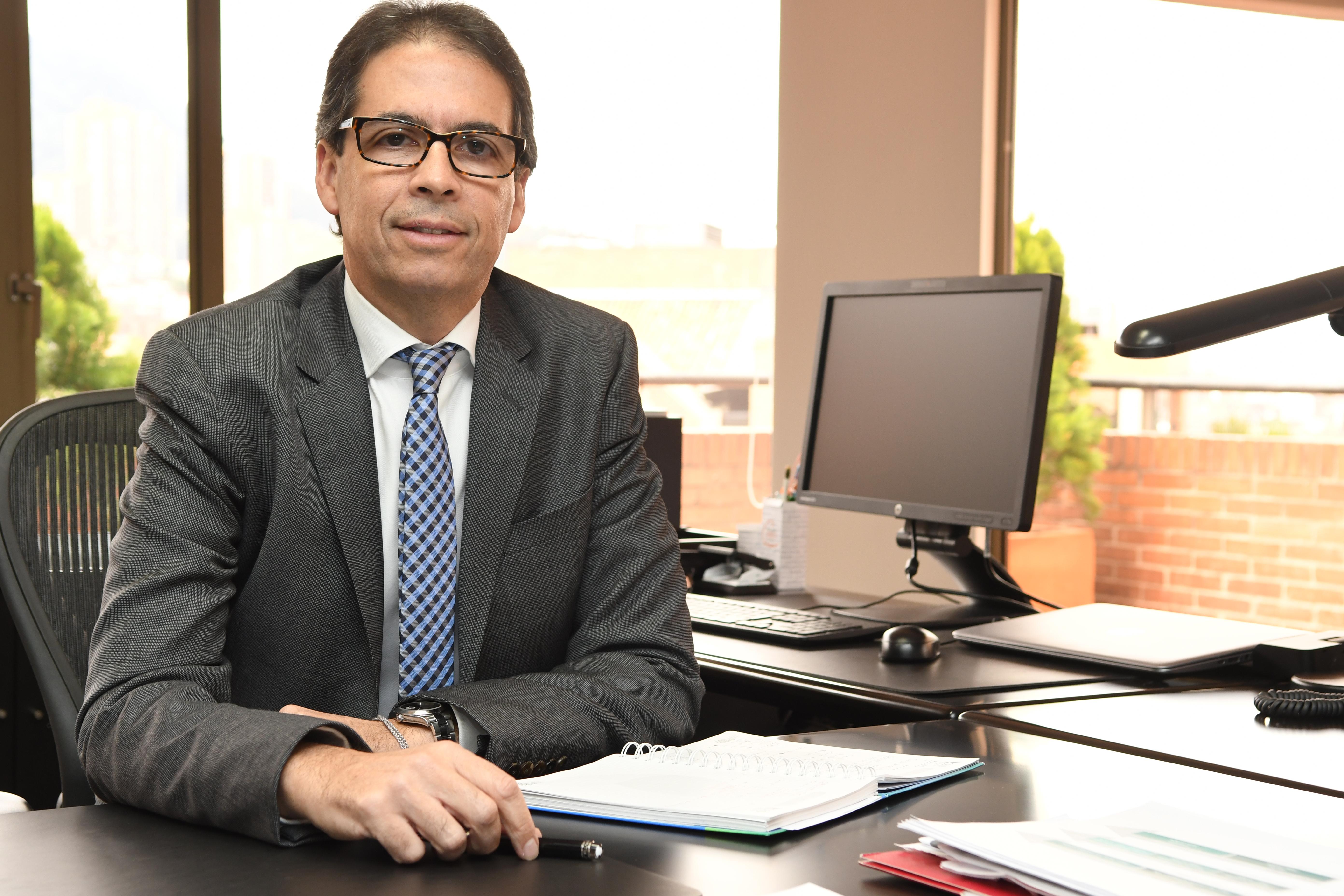 Rodolfo Anaya instalará Congreso de Naturgas