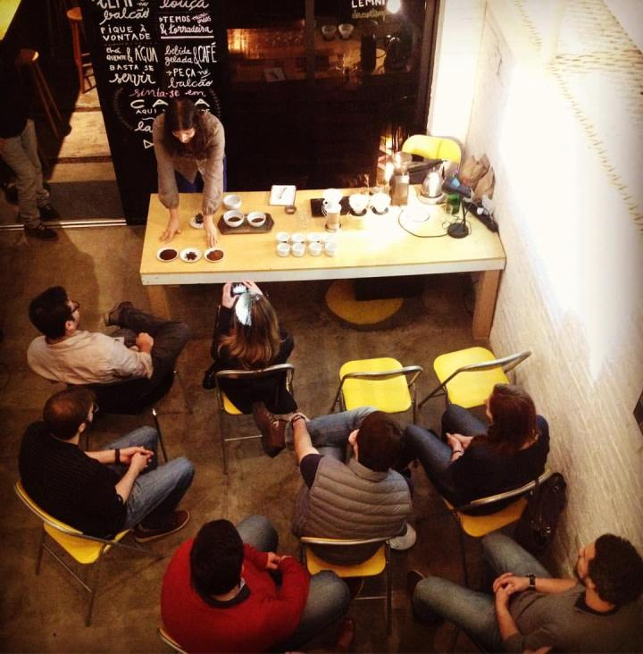 Anticafé: café à vontade e ambiente de co-working