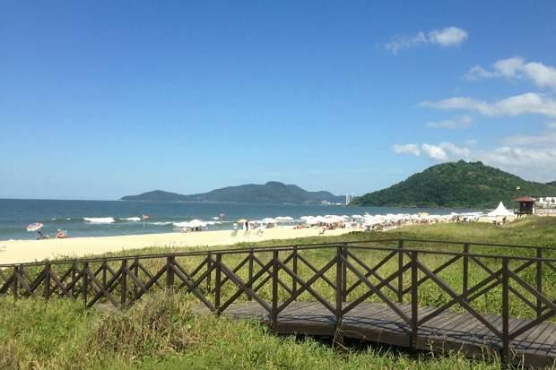 Melhores praias do Brasil: Itajaí - Praia Brava - Santa Catarina