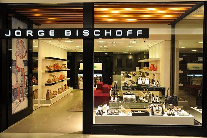 8982672ff Carro-chefe do Bischoff Group, a grife de sapatos, bolsas e acessórios  lançou seu projeto de franquias em 2009. Hoje, conta com mais de 60 lojas  exclusivas ...