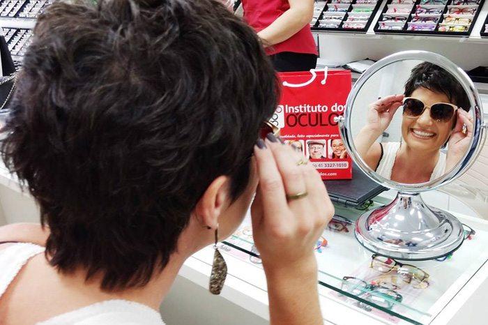 O Instituto dos Óculos é uma rede de óticas que trabalha com a venda de  óculos escuros, óculos de grau e lentes de contato de qualidade a preços  acessíveis, ... 7859f2de9e