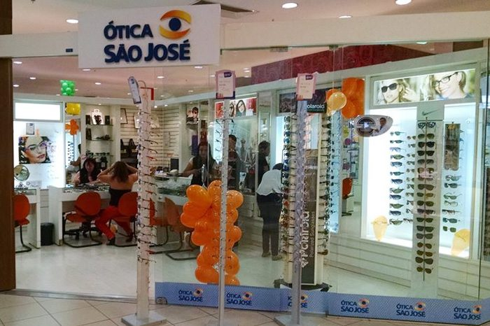 A rede de Óticas São José promete aos franqueados modelos exclusivos de  produtos e armações das principais marcas e grifes do mundo, incluindo  Target, ... e2051de8fd