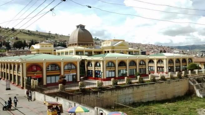 Centro Cívico y Comercial Plaza Real/ foto Juan Tovar