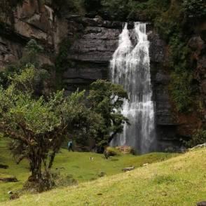 Cascada Nemusten-Sueva/ foto Armando Estebes Prieto