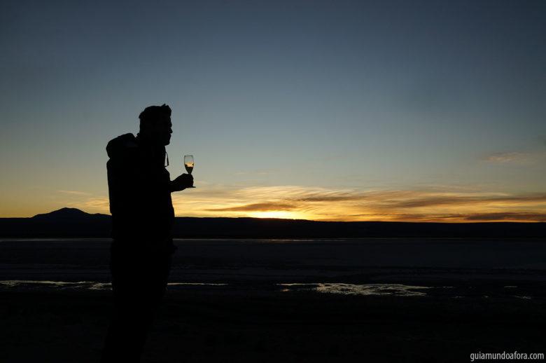Drink ao por do sol na Laguna Cejar