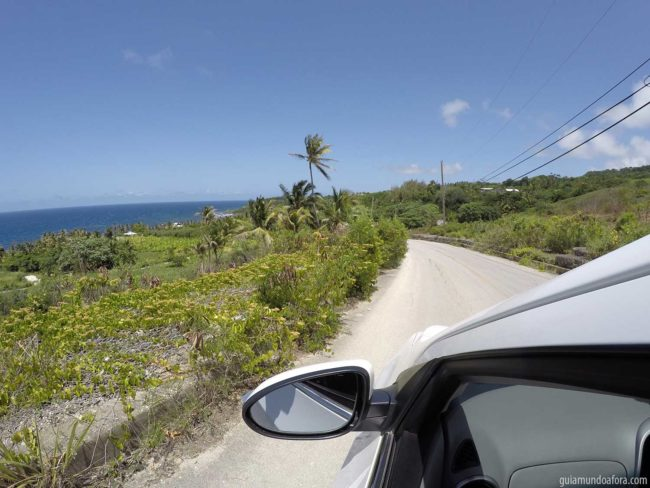 ruas e carro em Barbados