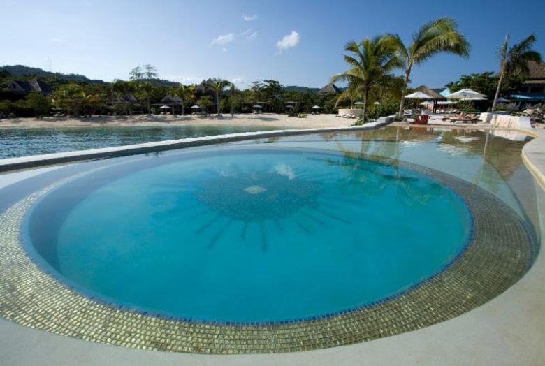 piscinas incríveis ao redor do mundo: GoldenEye