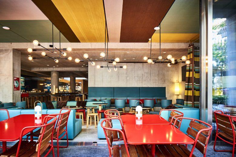 Lounge do Nomad Design & Lifestyle Hotel, um dos hotéis na suíça para amantes de arte
