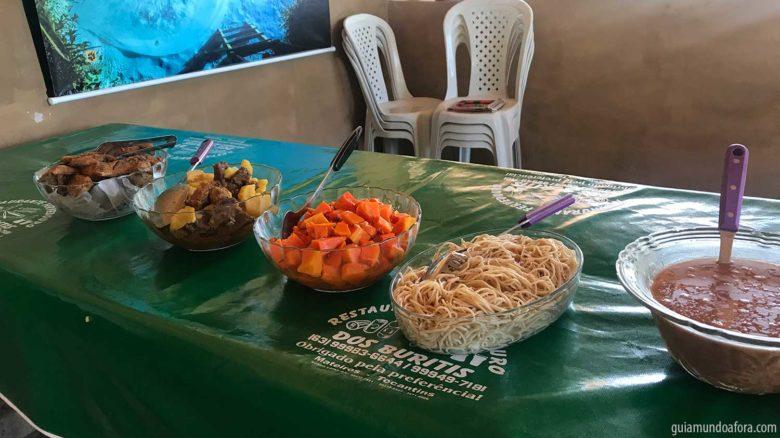 Almoço no Fervedouro Buriti