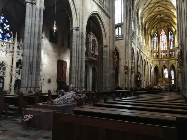 La Basílica de San Jorge es uno de los templos católicos mas espectaculares que se pueden visitar.