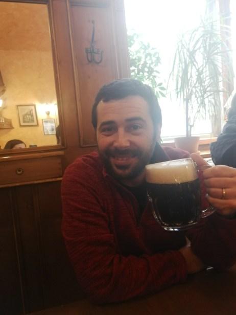 """La cerveza negra de Praga, atención """"CALIENTE!!!"""""""