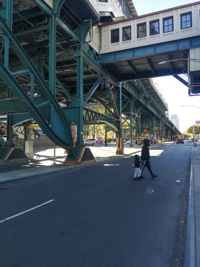Los tramos elevados del metro de Nueva York, hoy en día (Harlem)