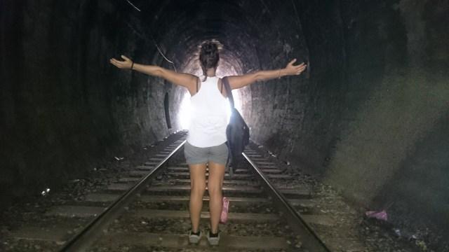 Un paseo de 30 minutos por las vías separa Ella de Nine Arch