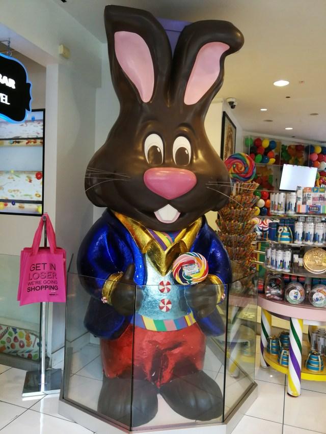 El conejo de Pascua??? Decoración de Dylan's Candy