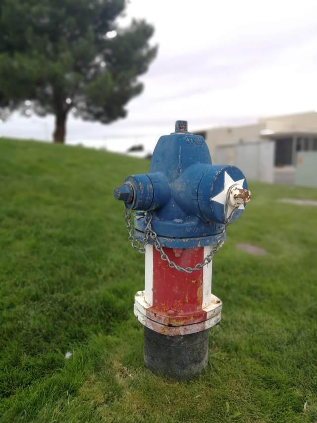 El orgullo americano. Una boca de incendios o el capitán américa?