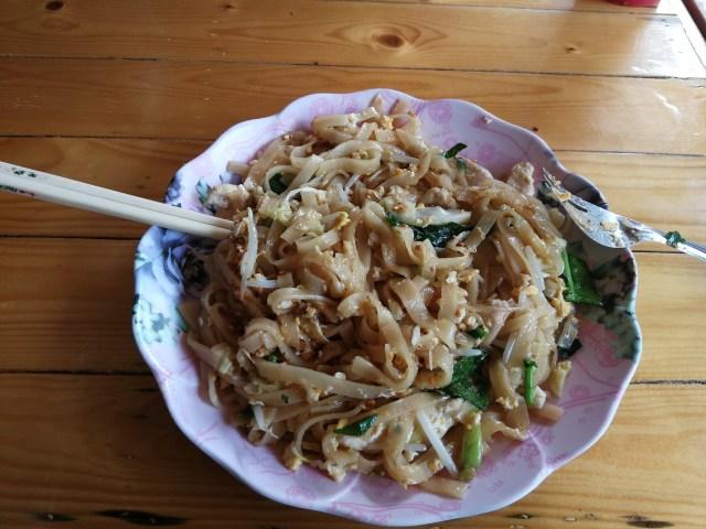 La comida tailandesa brilla por su intenso sabor y rápido preparado. Hoy que mejor que compartir la receta del Pad Thai, el plato estrella de Siam.