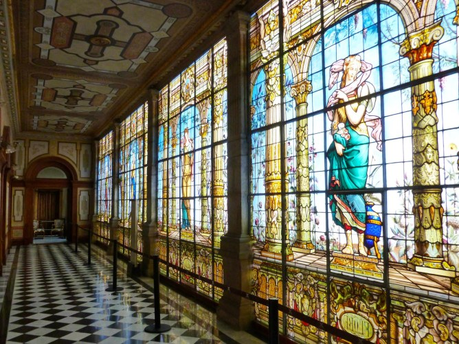 Beautiful_stained_glass_hallway