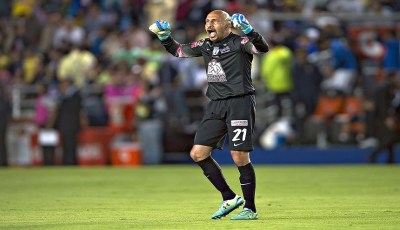 Action photo during the match Pachuca vs America, corresponding to the Quarter Finals first leg match of Clausura 2015 League BBVA Bancomer MX, in the photo : Oscar Perez celebrates goal of Pachuca Foto de accion durante el partido Pachuca vs America, correspondiente a los cuartos de final partido de ida del Torneo Clausura 2015 de la Liga BBVA Bancomer MX, en la foto: Oscar Perez celebra gol de Pachuca 13/05/2015/MEXSPORT/Osvaldo Aguilar Estadio: Miguel Hidalgo y Costilla