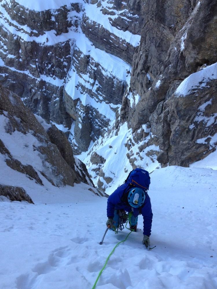 Escalada en hielo y corredores en Pirineos con guía de alta montaña Fede San Sebastian, Guias de Tena