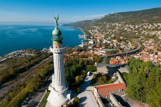 Faro-della-Vittoria-Trieste-guida-della-bora