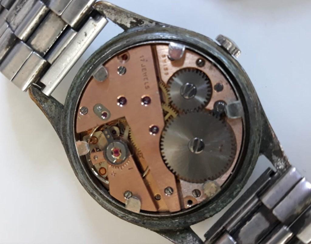 Il meccanismo dell'orologio trovato in cantina da un giornalista della redazione di GuidaLusso.it: movimento svizzero As 1130